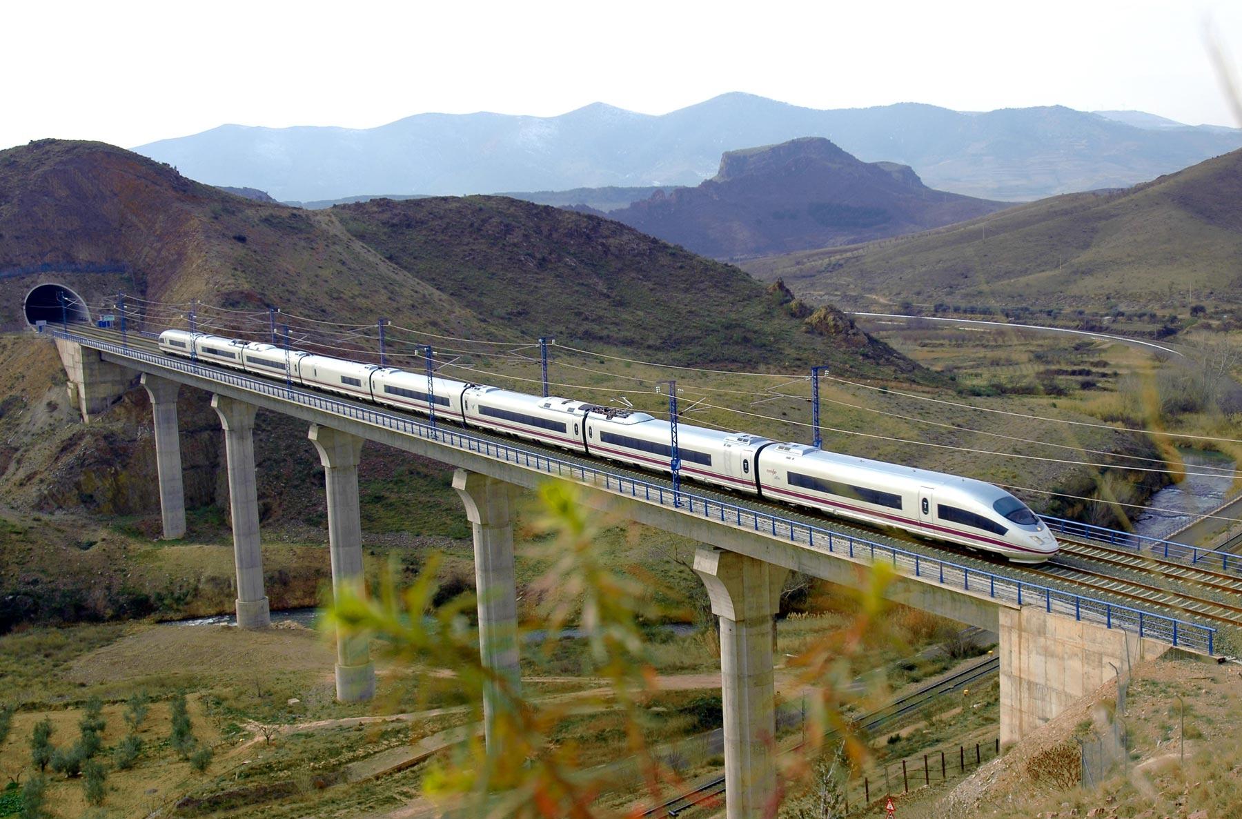 Trenes alta velocidad for Distancia barcelona paris